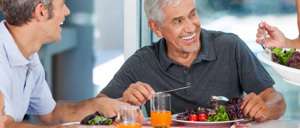 Manje mesa, više zelenog čaja.. Što jesti za dulji i zdraviji život?