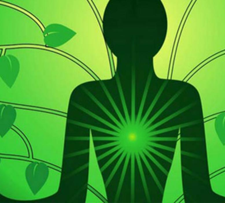 Kako osnažiti srčanu čakru – uz pomoć joge, prehrane i eteričnih ulja