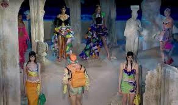 Besplatno tumačenje snova - Turmalino (Crkva, bazen, direktor, odjeća, luksuz....)