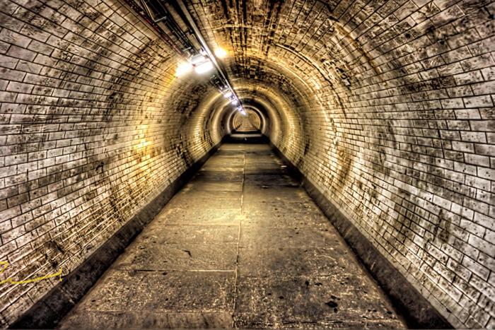 Zvuci iz davnine - Svjetlost čovječanstva kroz mračni tunel...