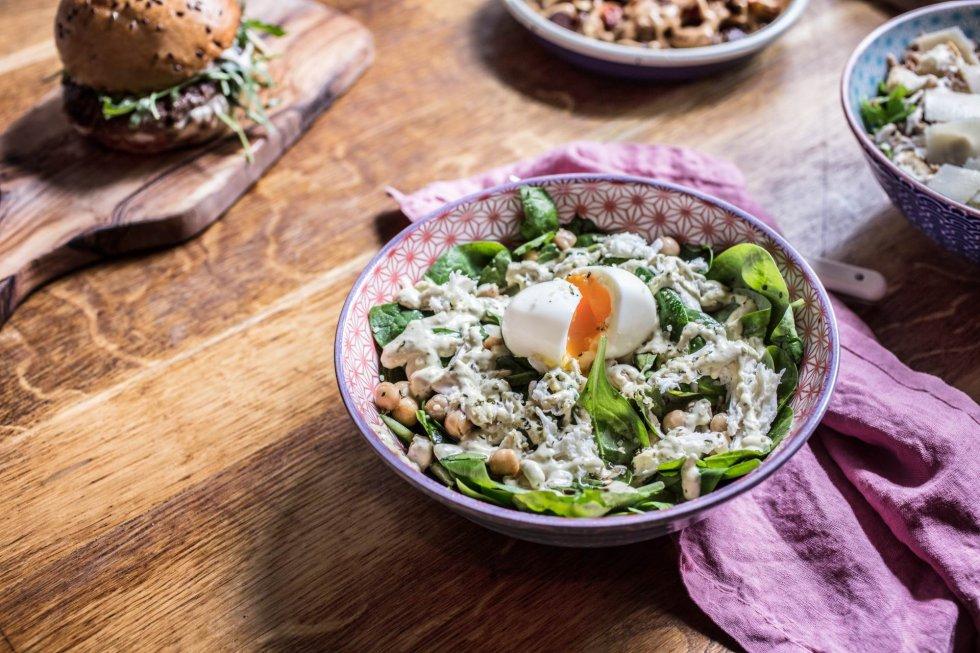 Besplatno tumačenje snova - Turmalino (slika, bijeli potpis, boje, tanjir, čorba, zelena salata, jaje, kineska hrana ...)