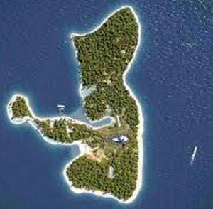 Ostrvo naomine kuće u obliku oka
