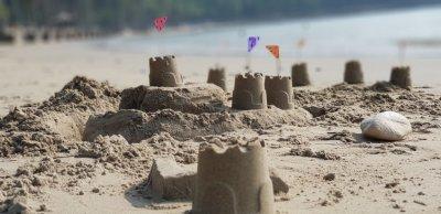 POUČNE PRIČE - Kule u pijesku