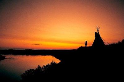 Lakota šaman – Hromi Jelen
